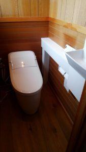 住宅のトイレの交換・手洗い器取付け工事