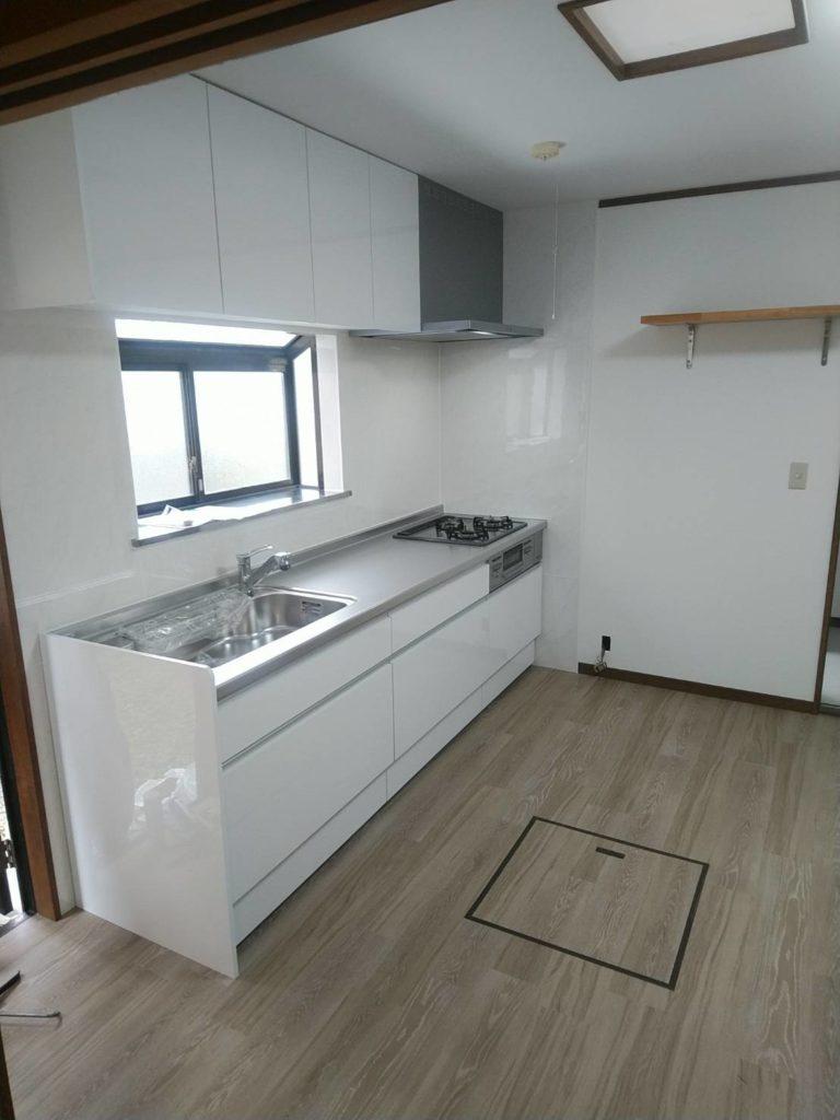 住宅のキッチン交換・内装工事