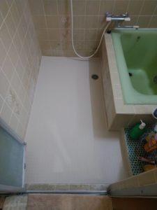 住宅の浴室の床張り(ヒートショック軽減、滑り止め)